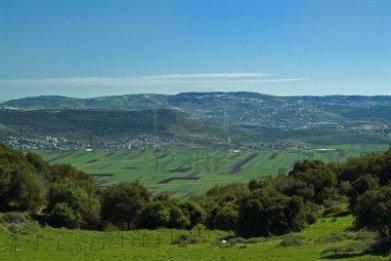 15--beit-netofa-en-el-valle-de-galilea-israel-con-nazaret-en-el-horizonte
