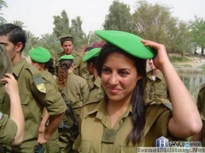 1women-in-the-israeli-army03