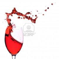 4020617-vino-tinto-se-vierte-en-una-copa-de-vino-aisladas-sobre-un-fondo-blanco