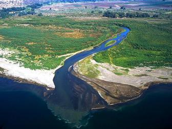 jordan_river_entering_sea_of_galilee_aerial