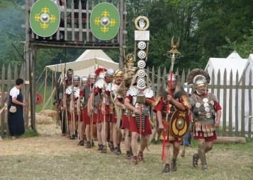 Roman_soldiers_