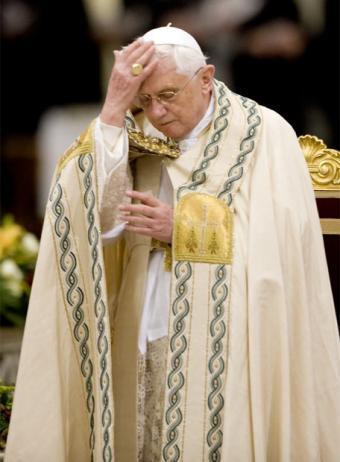 ¡ADIOS BENEDICTO XVI!