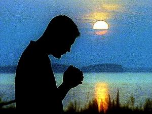 hombre-orando11