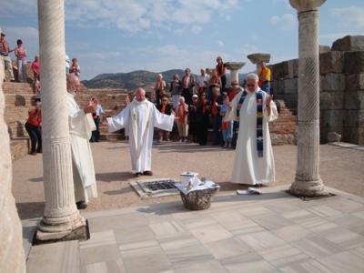 Misa-en-la-tumba-en-Efeso