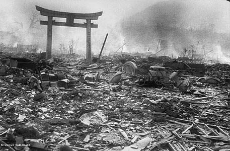 07-japon-nagasaki-tras-la-bomba-atomica_jpg