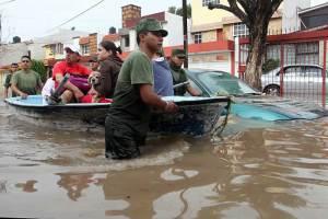 4ejercito mexicano ayudando a damnificados