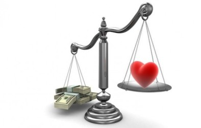 balanza-dinero-vs-amor-e1337716597206