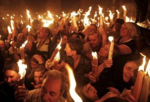 8Celebracion-ceremonia-Santo-Sepulcro-Jerusalen_PREIMA20100403_0017_5