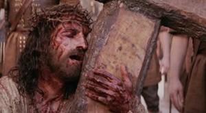 cargando-la-cruz-siguiendo-jesus