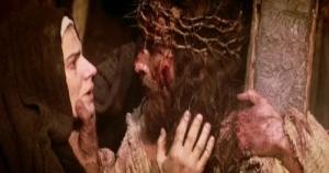 4-Jesús-con-su-madre