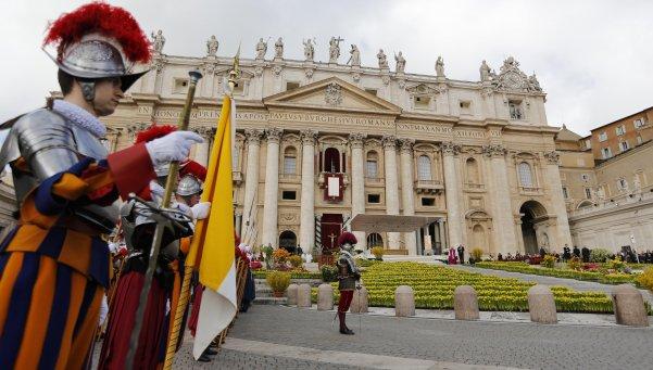 escandalo-renunciaron-director-y-subdirector-del-banco-del-vaticano