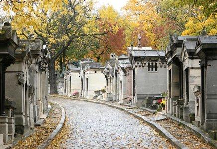 paris-pere-lachaise-cemetery-france