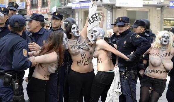 femen-madrid-2014