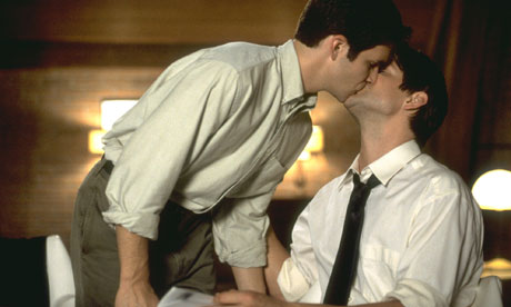 Gay-kiss-007