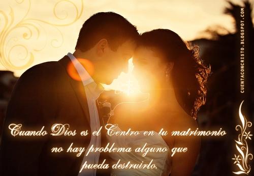 Dios es el centro de tu matrimonio copia