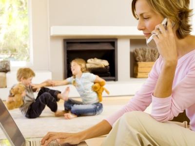 padres-adictos-a-la-tecnologia_1024x768