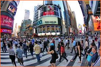 gente caminando en calle nueva york