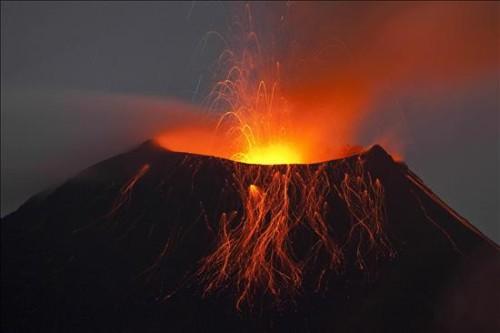 volcan-tungurahua-en-ecuador