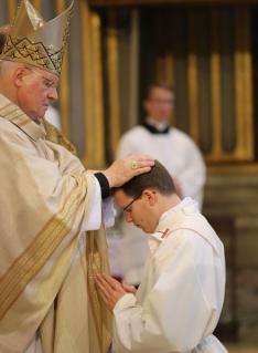 consagracion sacerdotal