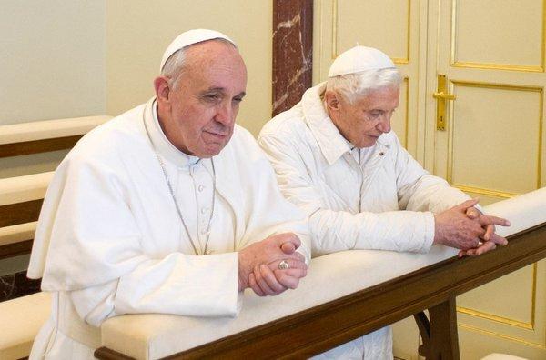 El-papa-emerito-Benedicto-XVI-_