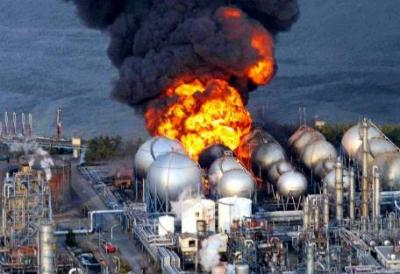 big-explosion-en-planta-nuclear-fukushima-al-noreste-de-japon-como-consecuencia-del-sismo-y-tsunami-
