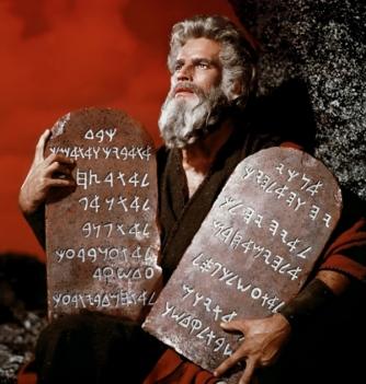 moises y los mandamientos