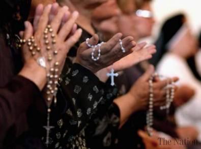 cristianos rezando el rosario isis--assyrian-christians-in-syria-