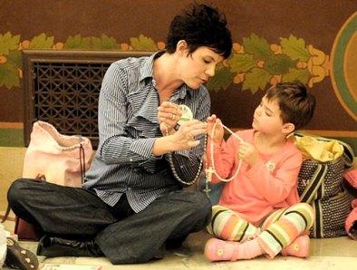 ROSARIO madre-rezando-con-hijo