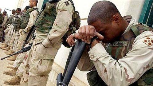 soldados suicidio