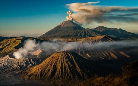 volcanes indonesia