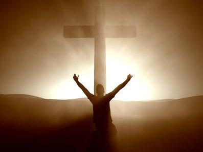 adorando la cruz