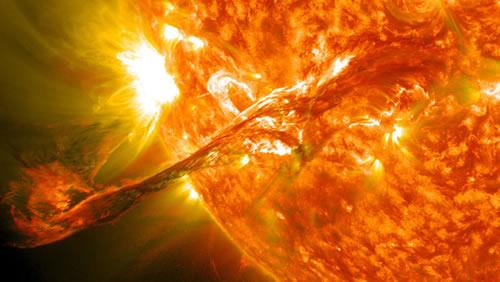 nasa-erupcion-superficie-solar-2012-09-5-18-51