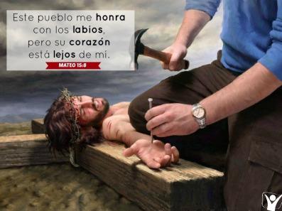 PUEBLO CRUCIFICANDO HIPOCRESIA
