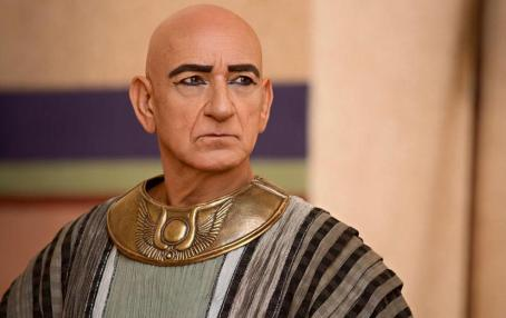 ben-kingsley-tut-copia