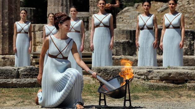 antorcha-olimpica-en-grecia