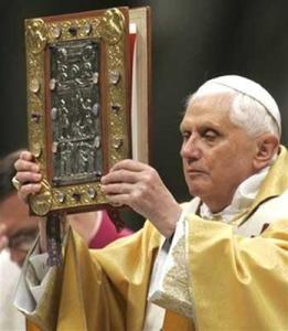 benedicto-bendicion-evangeliario-5