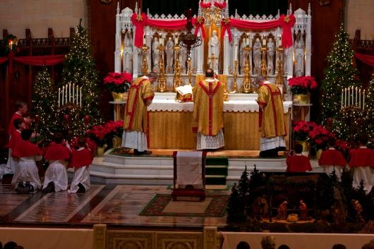 catholicvs-santa-misa-nochebuena-detroit-midnight-mass-2